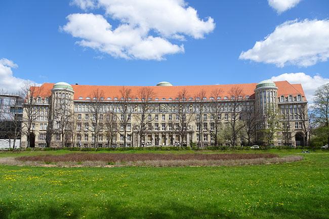 Deutsche Nationalbibliothek Leipzig, Altbauten und Bücherturm